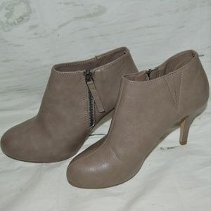 Madden Girl Ankle Boots Heels Size 6.5